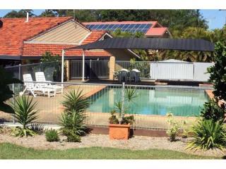 Prominent Brisbane Motel - 1P3867M