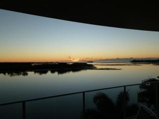 Magnificent Water Front Managers Apartment in a beautiful well maintained Complex and superb location..