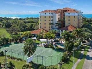 Sunshine Coast Holiday Complex Mixed Business