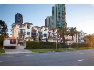 Modern, Well Managed Opportunity in the heart of Broadbeach | Resort Brokers ID : MR004993