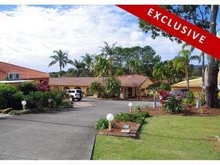 1209MF - Coastal Property with Plenty to Offer