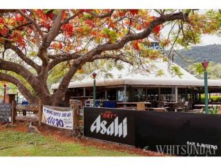 Leasehold Hotel - Airlie Beach - It's a Business not a Job - 1P3797H