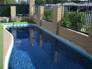 Entry Price Leasehold Motel Business - Qld - 1P0969M