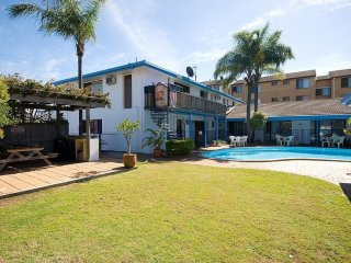 Leasehold Motel or Freehold Going Concern