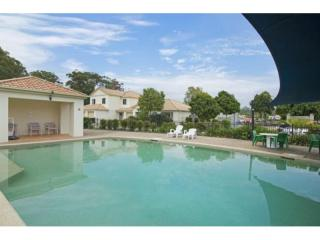 Great Complex, Easily Maintained, Large Residence