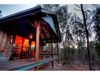 Premium Accommodation Venue in Qld's Granite Belt | Resort Brokers ID : FH004073
