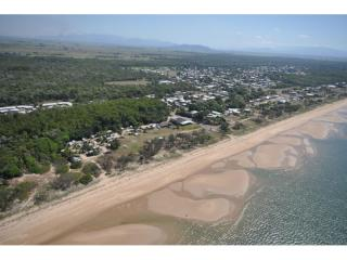 Hotel Motel & Caravan Park Situated on 22,000sqm, Located on Absolute Beachfront | Resort Brokers ID : FH004901