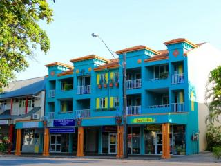 Profitable Business In The Heart Of Port Douglas | Resort Brokers ID : MR004877