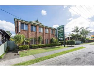OUTSTANDING MOTEL IN BOOMING NORTH COAST TOWN