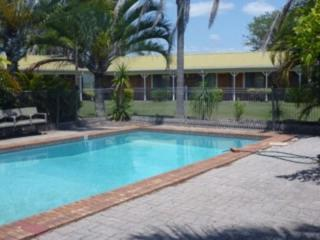 FREEHOLD MOTEL, 22 ROOMS WITH RESTAURANT