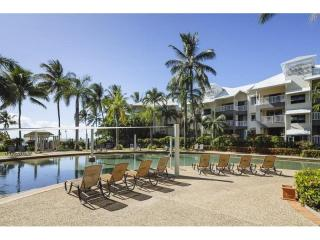 Business For Sale - Absolute Beachfront - Trinity Beach - ID 8777 BL