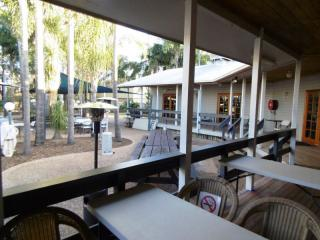 Best Freehold Country Tavern in Queensland Ripper ROI 23.5% | Resort Brokers ID : FH004355