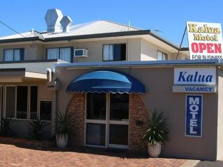 FREEHOLD MOTEL, AS NEW CONDITION IN BUNDABERG FOR SALE