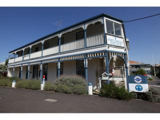 Leasehold Boutique Business - Victorian Coastal Town | Resort Brokers ID : LH004476