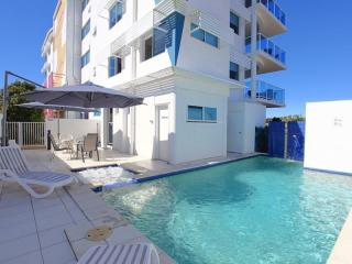 Beautiful Holiday Unit Complex - FLEXIBLE TERMS AVAILABLE - UNIT PURCHASE OPTIONAL - 1P0940MR